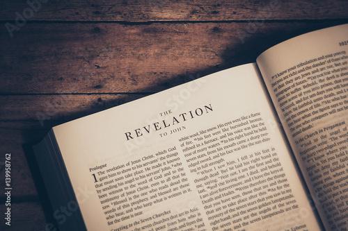 Carta da parati The revelation to John