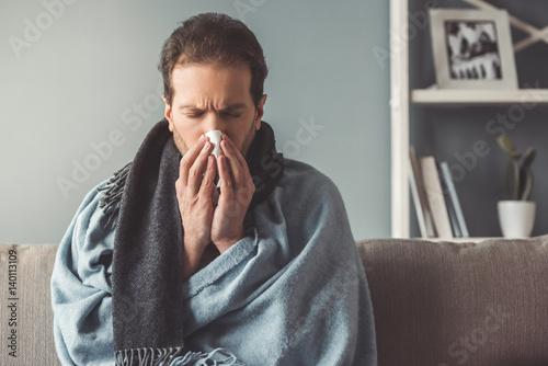 Fotografia Sick man at home