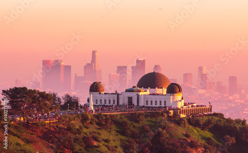 Obraz na plátne Los Angeles and Griffith Observatory at Sunset