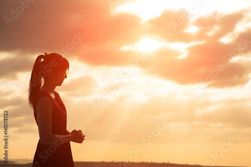 Fotografia woman pray pious