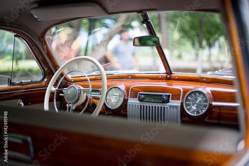 фотография Retro car, retro torpedo car, vintage steering wheel