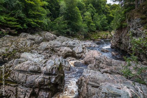 Fotografie, Tablou Findhorn river flowing through Highlands