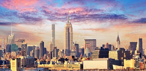 Fotografering Manhattan Skyline with Empire State Building over Hudson River, New York City