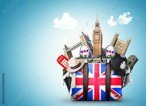 Tableau sur Toile England, vintage suitcase with British flag