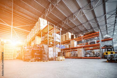 Fotografia Large hangar warehouse industrial and logistics companies.