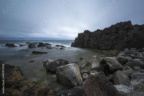 Αφίσα View of seacoast with cliffs.