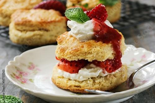 Fényképezés Homemade Strawberry shortcake  / Mothers day dessert