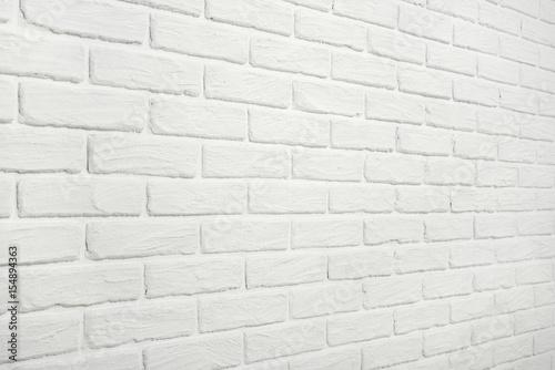 Folia na okno łazienkowe Biała ściana z cegieł widziana pod kątem