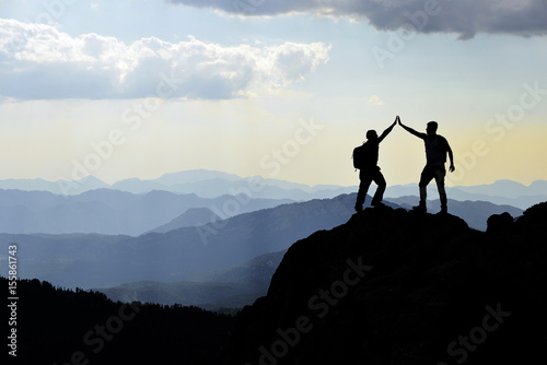 Tela Congratulate the success of the summit