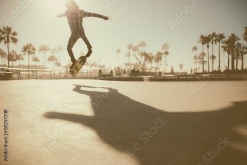 Wallpaper Mural Skater in action in Los angeles