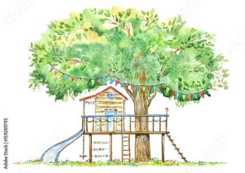Dom na drzewie dla dzieci. Ślizgać się, suwak i domek do zabawek. Lato wizerunek. Biały tło. Dłoń akwarela ilustracja.