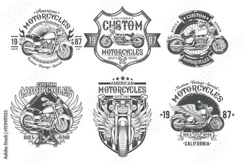 Fototapeta premium Ustawić wektor czarne odznaki vintage, emblematy z motocykla niestandardowego. Druk, szablon, element projektu reklamowego dla klubu motoryzacyjnego, warsztatu motocyklowego