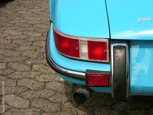 Photo Rücklichter einer hellblauen deutschen Sportwagen Legende der Sechzigerjahre und
