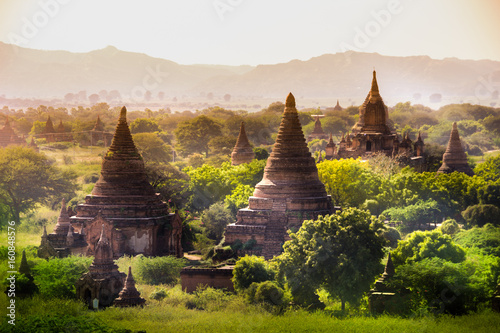 Leinwand Poster myanmar sunset pagan bagan burma shadows