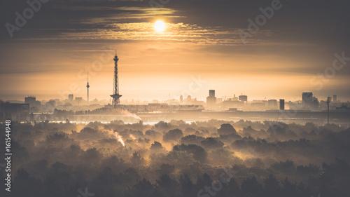 Naklejka na szafę Wschód słońca w Berlinie