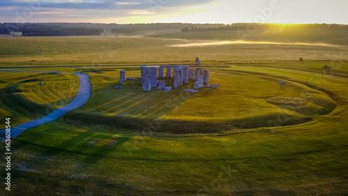 Obraz na plátně Sunrise at Stonehenge