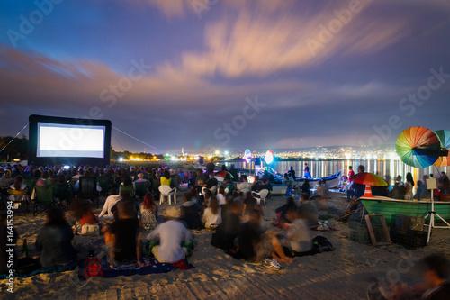 Slika na platnu CINEMA ON THE BEACH AT NIGHT