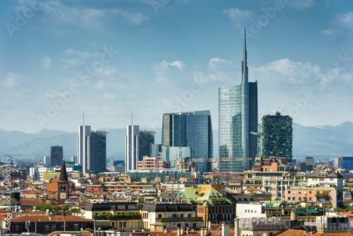 Fototapeta premium Mediolan panoramę z nowoczesnymi drapaczami chmur