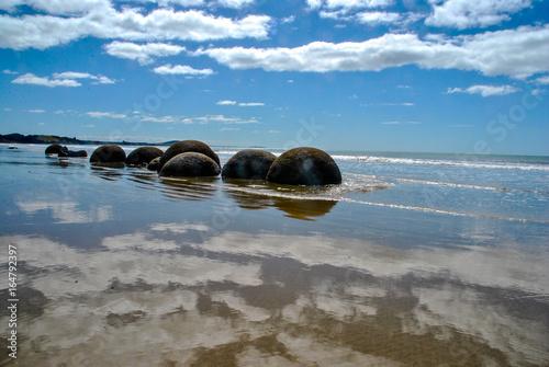 Stampa su Tela new zealand moeraki boulders