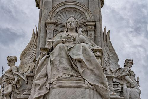 Fototapeta queen victoria monument london detail