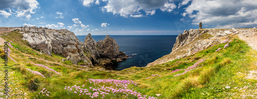 Fotografering Panorama of Pointe du Pen-Hir with World War Two monument to the Bretons of Free France on the Crozon peninsula, Finistere department