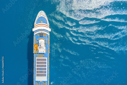 Cuadros en Lienzo Part of a cruise liner in the blue sea, top view