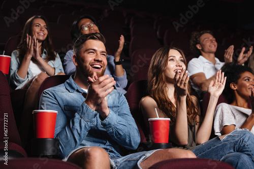 Obraz na płótnie Happy smiling audience clapping hands