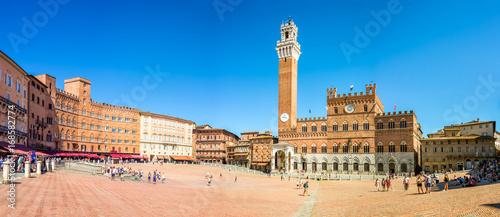 Fotografie, Obraz Panorama of Piazza del Campo (Campo square), Palazzo Publico and Torre del Mangi