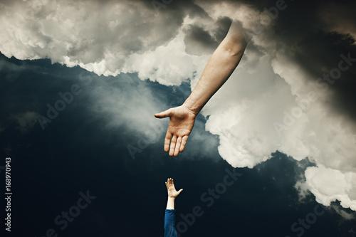 Obraz na płótnie Man Gets Help from Heaven