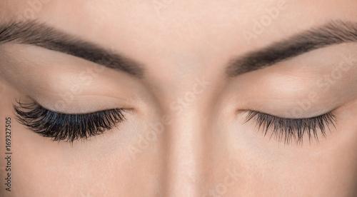 Fotografia Eyelash removal procedure close up