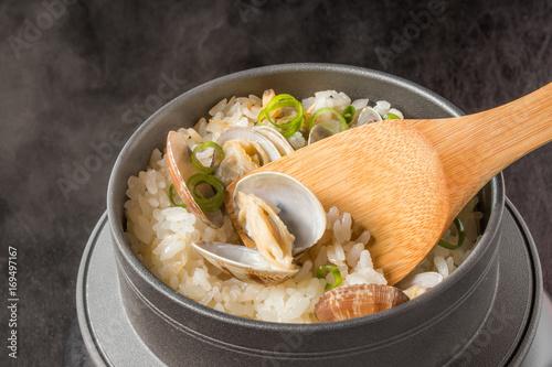 Fényképezés 釜めし Japanese clam pot rice with clams
