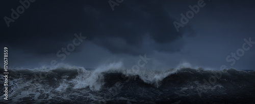 Obraz na plátně Dark sea stormy background