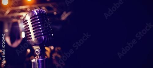 Obraz na płótnie Retro microphone at concert