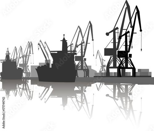 Fotografia Silhouette of ship and crane in port.