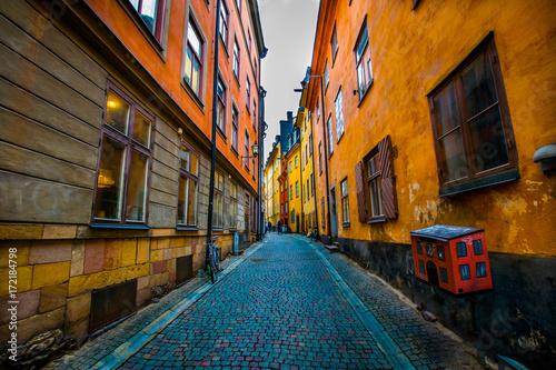 Naklejka na szafę Wąska uliczka Sztokholm