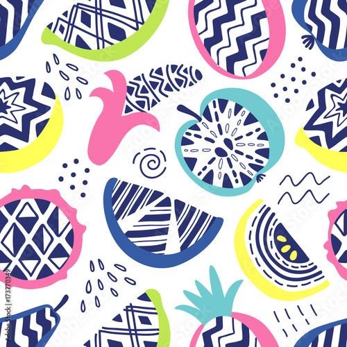 Wektorowy bezszwowy wzór nowożytne geometryczne owoc. Egzotyczne lato w tle. Oryginalna ręka rysująca ilustracja. Zdrowa żywność wegetariańska. Modny styl mody lat 80-90.