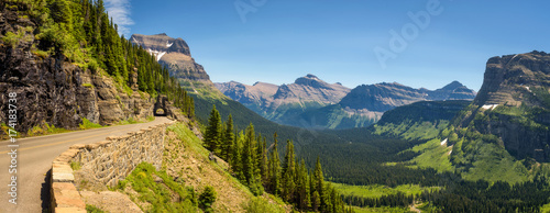 Fotografie, Obraz Going to the Sun Road with panoramic view of Glacier National Park, Montana