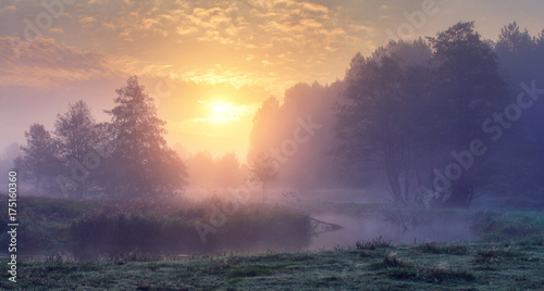 Canvas Print Autumn morning sunrise