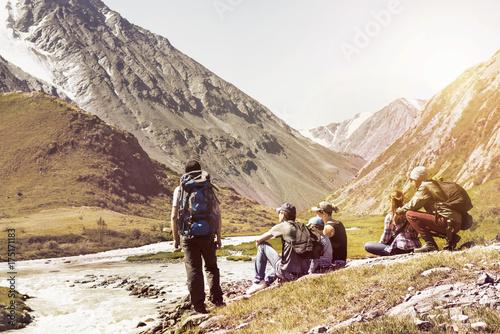 Obraz na płótnie Big group of people travel expedition mountains