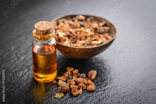 Fotografia A bottle of myrrh essential oil