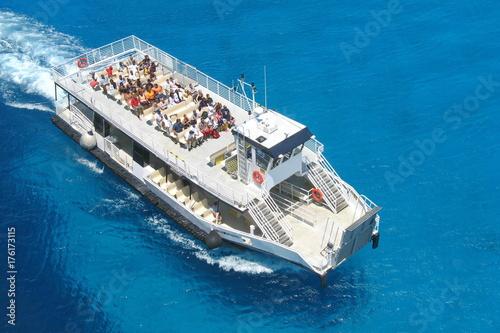 Photo Tender Boat in Half Moon Cay, Bahamas