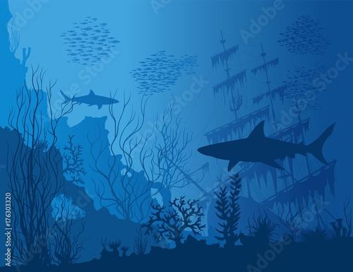 Fototapeta premium Niebieski podwodny krajobraz z zatopionym statkiem, rekinami i chwastami. Wektor ręcznie rysowane ilustracji.