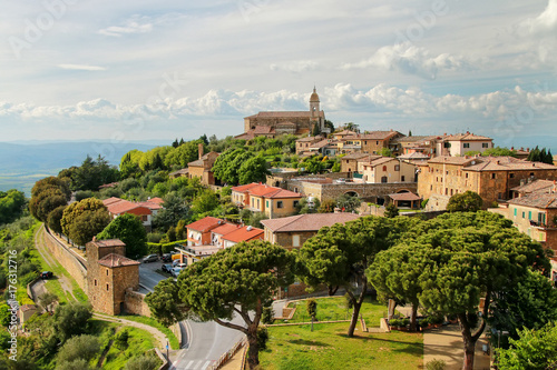 View of Montalcino town from the Fortress in Val d'Orcia, Tuscany, Italy Fototapet