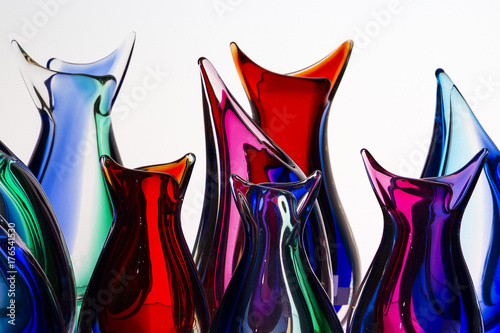 Photo beautiful colorful murano glass handmade in venice, italy on the white backgroun