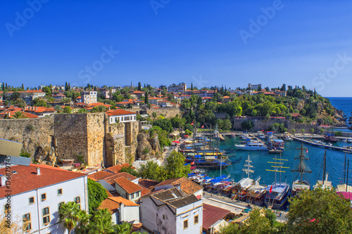 Fototapeta premium Port w starym mieście Kaleici - Antalya, Turcja