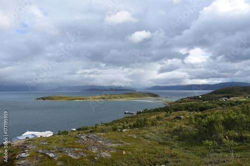 Photo Norwegen, Norge, Alta, Altafjord, Fjord, Langfjorden, Langenesholmen, Insel, Bun