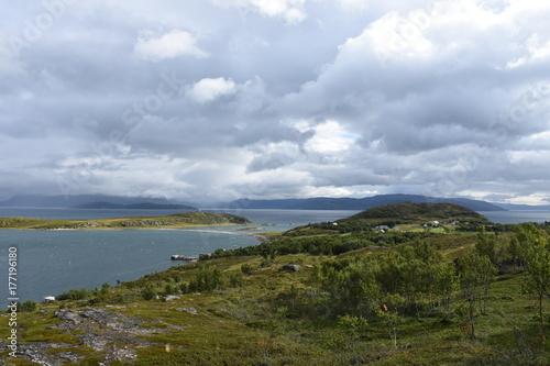 Canvas Print Norwegen, Norge, Alta, Altafjord, Fjord, Langfjorden, Langenesholmen, Insel, Bun