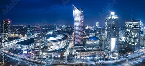 Naklejka na szafę Panoramiczny widok na centrum Warszawy w nocy