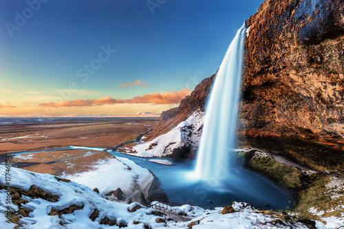 Αφίσα The beautiful Seljalandsfoss in Iceland during winter