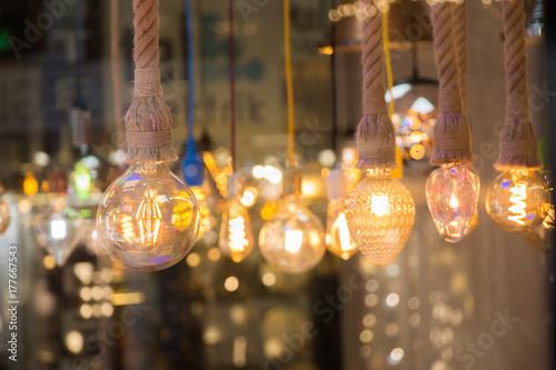 Carta da parati Decorative antique edison style light bulbs
